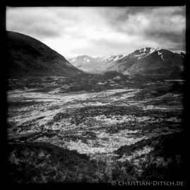 Wanderweg um Loch Affric in den North West Highlands. 