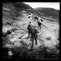Wandere mit Union Jack am Loch Affric in den North West Highlands. 25.5.2015