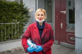 """Beatrice S., 52 Jahre, Pflegedienstleiterin für ambulante Hauspflege. """"Wir sind füreinander da."""""""
